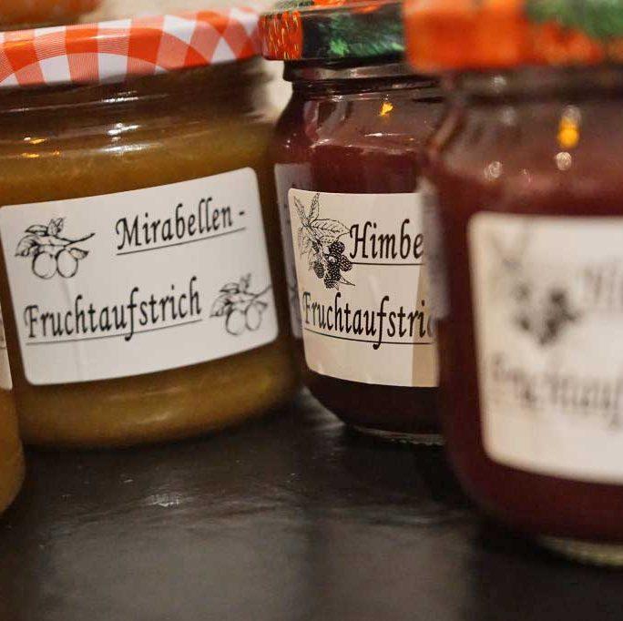 Fruchtaufstriche Mirabelle und Hombeere